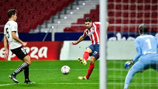 Partido a partido, remontada incluida, el Atleti se consolida líder contra el Valencia (3-1)