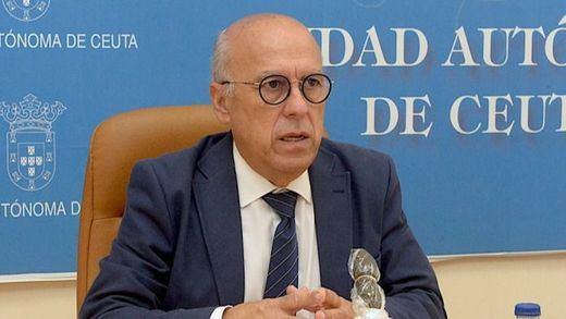 El consejero de Sanidad de Ceuta, otra víctima de la vacunación irregular: dimite Javier Guerrero