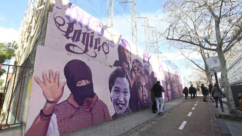 El mural feminista que ha provocado un terremoto político en Madrid: las claves