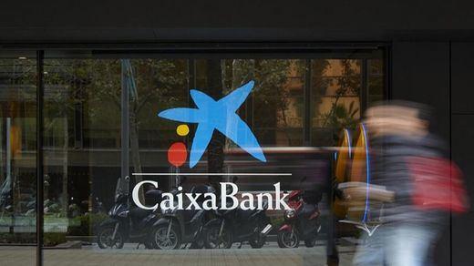 CaixaBank obtuvo en 2020 un beneficio de 1.381 millones, sólo un 19% menos pese a la pandemia