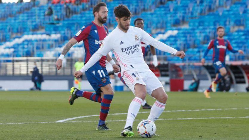 El Madrid se despide de la Liga ante el Levante en un día aciago donde todo salió peor que mal (1-2)