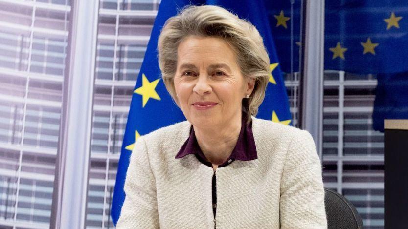 Bruselas se hace respetar por AstraZeneca, pero sólo recibirá la mitad de las dosis comprometidas de la vacuna