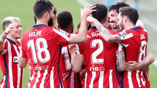 Un Atleti imparable sufre pero se impone en Cádiz y sentencia media Liga (2-4)