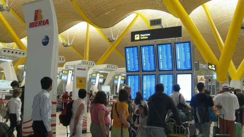 El primer caso de cepa brasileña en España llegó al aeropuerto de Barajas con una PCR negativa