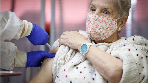 Sanidad propone no vacunar a los que se hayan contagiado del coronavirus hasta 6 meses después