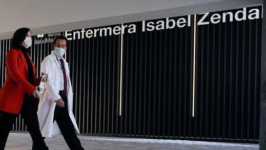 Ayuso usará el hospital Zendal y el Palacio de los Deportes para la vacunación masiva en Madrid