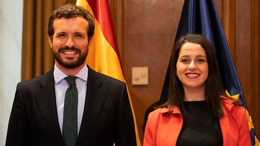 Casado y Arrimadas dimisión... un clamor en redes sociales contra los líderes de PP y Cs