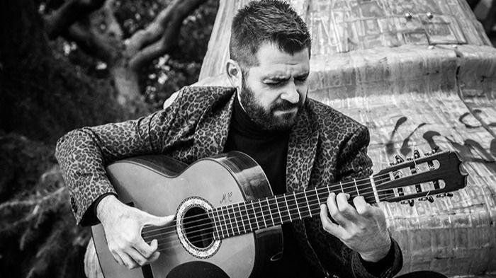 El gran guitarrista José Almarcha nos presenta 'Alejandra', su disco 'más íntimo y personal' (vea el vídeo con entrevista exclusiva)