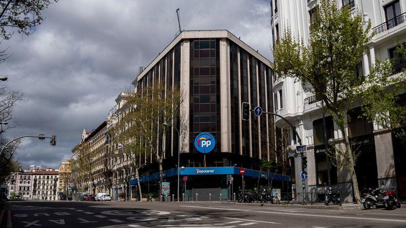 Más allá de los gestos, fue la realidad económica del PP la que lleva a Casado a renunciar a Génova