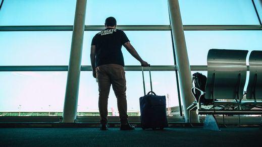 Los viajeros procedentes de Sudáfrica y Brasil deberán guardar cuarentena