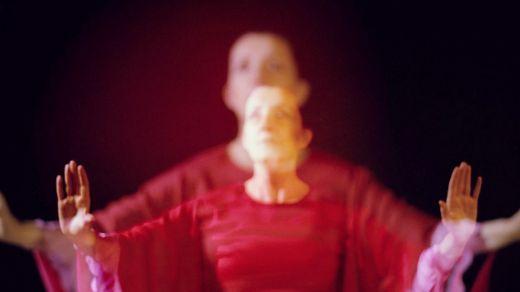 'Andando', un tan sorprendente como polifacético y atractivo espectáculo sobre la vida de Olga de Jenaro... y mucho más