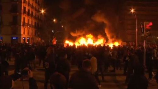 Cuarta noche de disturbios en las protestas contra el encarcelamiento del rapero Pablo Hasel