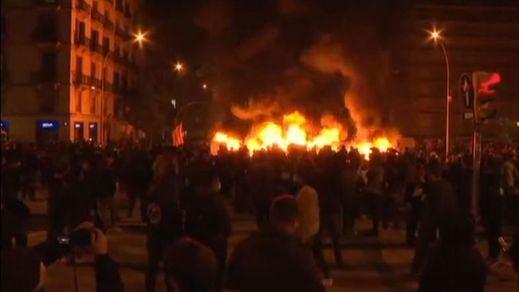 Continúan los disturbios en Barcelona por el encarcelamiento de Pablo Hasél
