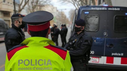 La Generalitat plantea revisar el modelo de orden público tras la reunión con los Mossos