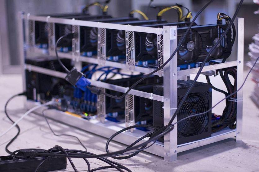 Sistema para minado de Bitcoin