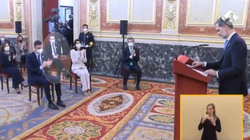 Pablo Iglesias, de nuevo objetivo de las iras por su actitud tras el discurso del Rey en el acto del 23-F