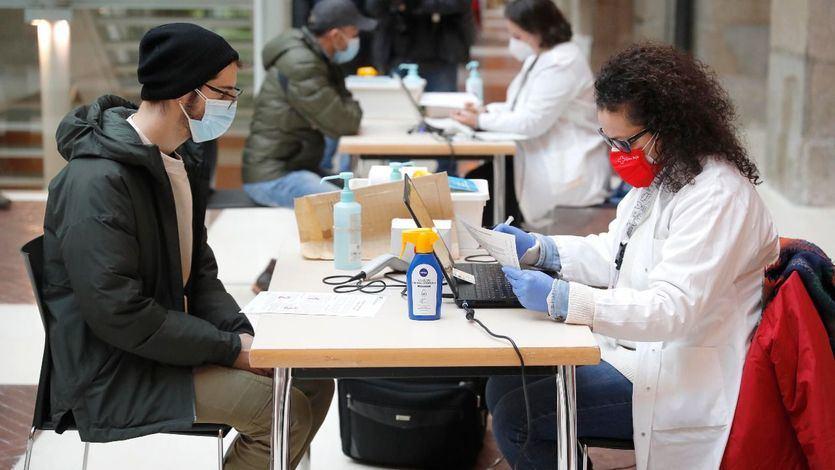Sanidad define los nuevos grupos de vacunación a partir de 45 años