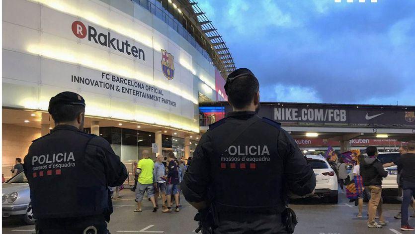 'Barçagate': Los Mossos registran las oficinas del Barcelona y detienen a Bartomeu