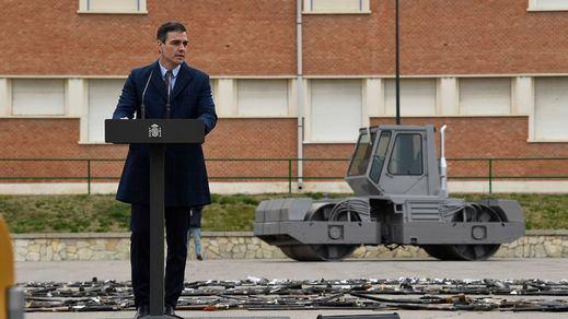 Sánchez reivindica la memoria de la víctimas de ETA, GRAPO y los GAL en el acto de destrucción de armas