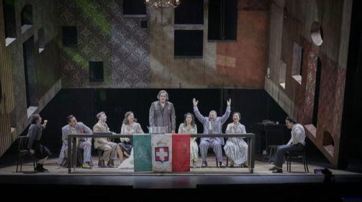 Crítica de la obra de teatro '¡Nápoles millonaria!': la guerra no ha terminado