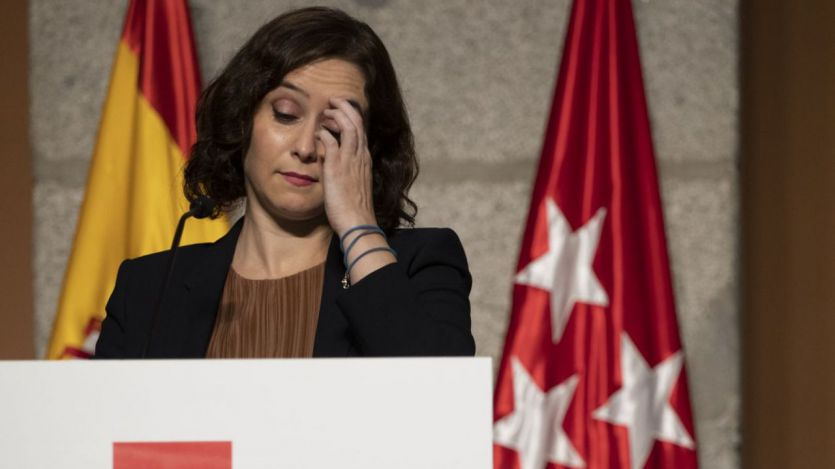 Madrid amanece con un gobierno dimitido y la incógnita de si habrá moción de censura o elecciones