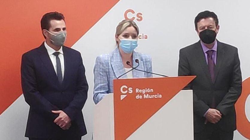 Moción de censura en Murcia: Ciudadanos expulsa a los tres diputados disidentes
