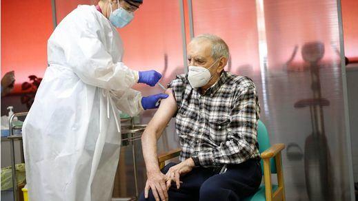Más de 1,8 millones de personas en España ya tienen las 2 dosis de la vacuna