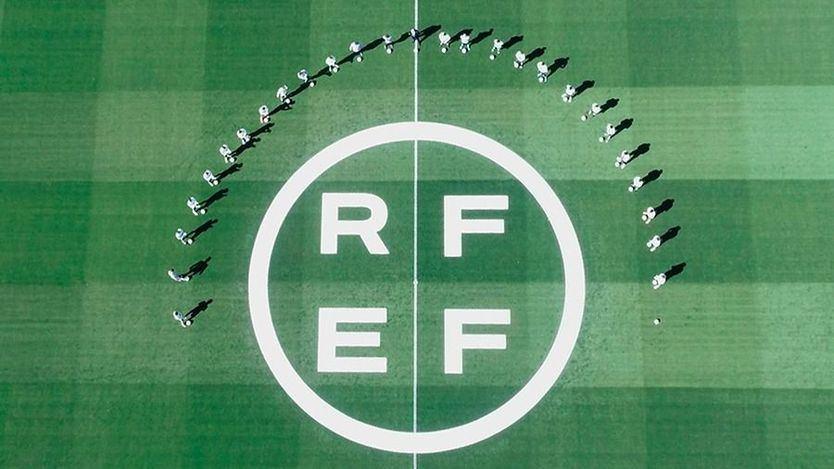 Cachondeo en redes ante el nuevo logo y escudo de la Federación de Fútbol