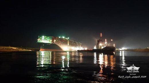 Buenas noticias en el Canal de Suez: el Ever Given, reflotado en un 80%