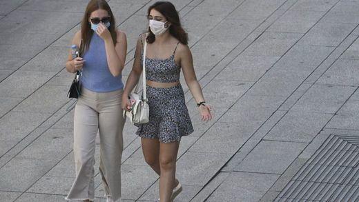 Tras las quejas, el Gobierno revisará con las comunidades la nueva normativa de las mascarillas
