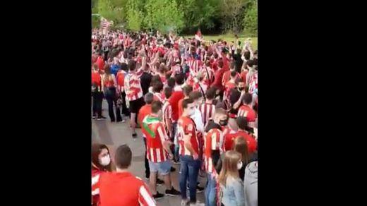 Gran indignación por las aglomeraciones en Lezama para despedir al Athletic