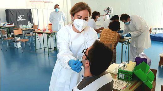 Sanidad suma 10.360 contagios y 85 fallecidos desde el sábado y la incidencia sube 12 puntos