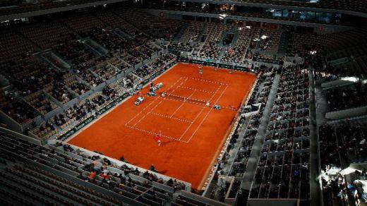 El mítico torneo Roland Garros de tenis se retrasa una semana para intentar celebrarse con público