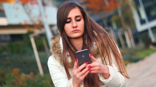 Condenada duramente por hostigar en Whatsapp y redes sociales a su ex novio