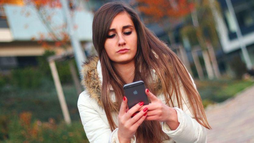 Una mujer, duramente condenada por hostigar en Whatsapp y redes sociales a su ex novio
