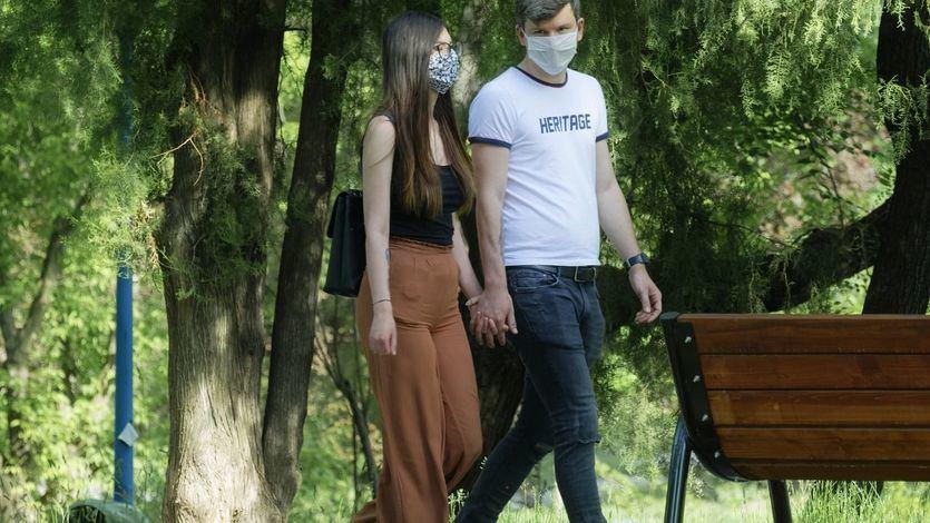 Israel acaricia la normalidad y suprime el uso de mascarillas al aire libre
