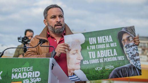 La Fiscalía madrileña pide la retirada del polémico cartel electoral de Vox contra los menas