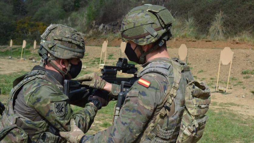 Un joven militar condecorado fallece pocos días después de recibir una dosis de la vacuna de AstraZeneca