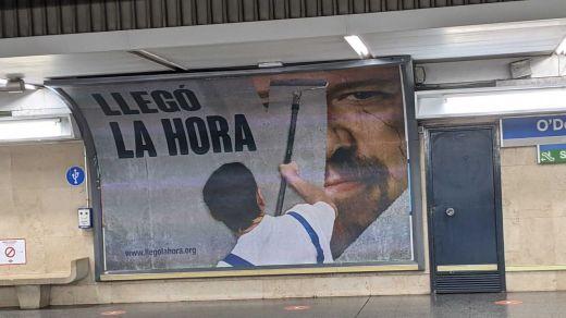 Polémica campaña publicitaria de Hazte Oír contra Pablo Iglesias: 'Llegó la hora'