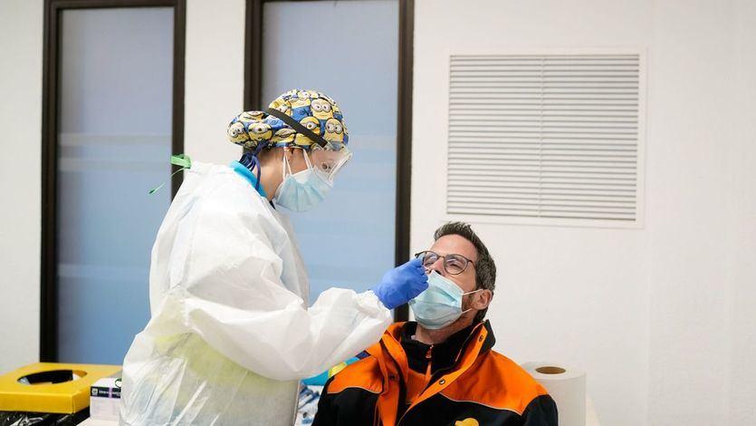La incidencia se estanca en 230 casos tras sumar 10.143 nuevos contagios y 137 muertes