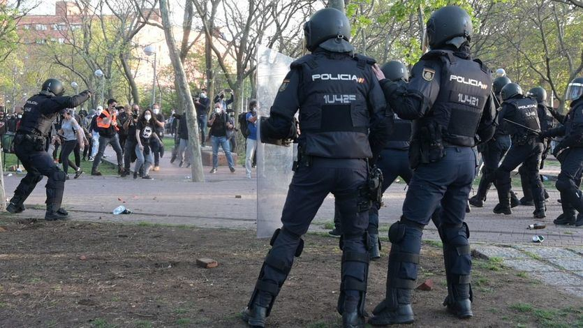 Abascal acusa a Pablo Iglesias de enviar a 'sus matones' al mitin de Vox en Vallecas