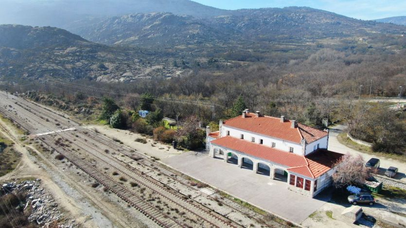 El magnífico y original proyecto cultural Traductores del Viento arranca en la antigua estación de ferrocarril de Bustarviejo