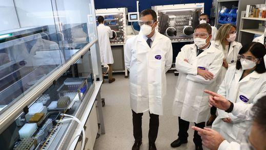 Sánchez se suma al frente de EEUU y UE para pedir la liberación de las patentes de las vacunas de la covid