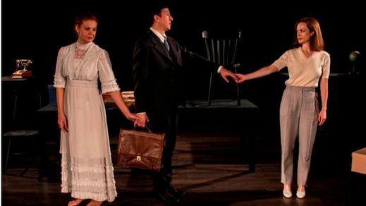 Crítica de la obra de teatro 'Amor, amor, catástrofe. Pedro Salinas entre dos mujeres': imposible elegir