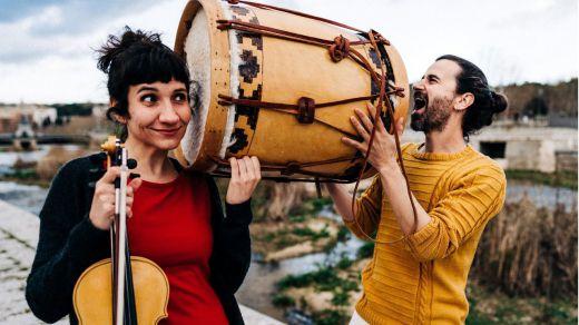 La mejor música para danza inspirada en la tradición la lleva a cabo el dúo Dos: disfrute del vídeo de 'Marinerito', su nuevo sencillo