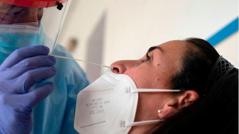 La incidencia sigue cayendo mientras se notifican 5.701 nuevos contagios y 73 muertes