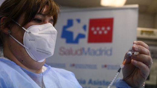 Un 30% de los españoles ya ha recibido al menos una dosis de la vacuna contra la covid
