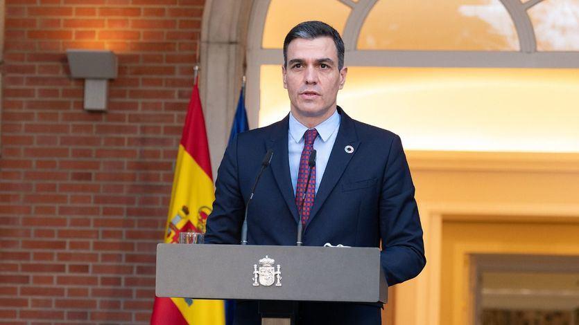 Alivio en Moncloa tras el acuerdo entre ERC y Junts para desbloquear la legislatura en Cataluña