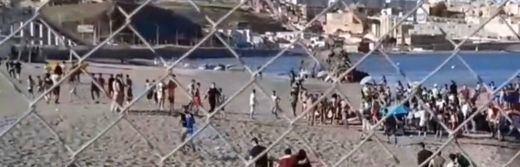 Interior eleva a 8.000 los migrantes que han llegado a Ceuta y asegura que la mitad han sido devueltos