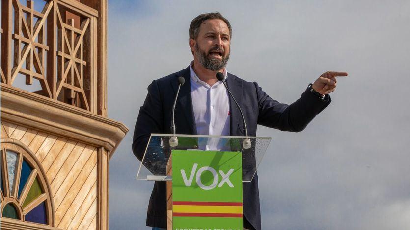 Vox retira su apoyo al gobierno de Juanma Moreno por la acogida de 13 menores de los centros de Ceuta